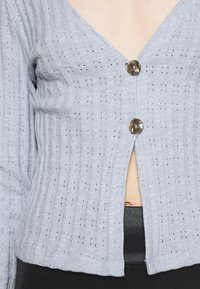 Nly by Nelly - BUTTON DOWN CARDIGAN - Cardigan - light blue - 4