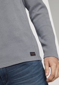 TOM TAILOR - MIT WAFFELSTRUKTUR - Long sleeved top - middle grey melange - 3