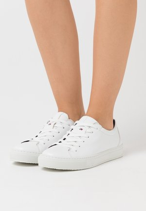 WASTE PREMIUM CUPSOLE - Sneaker low - white