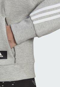adidas Performance - ADIDAS SPORTSWEAR WRAPPED 3-STRIPES FULL-ZIP HOODIE - Sweatjakke - grey - 5