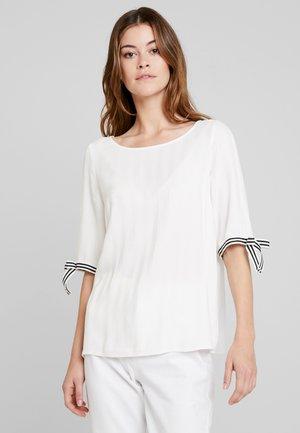 FLUENT SHINY  - Blouse - off white