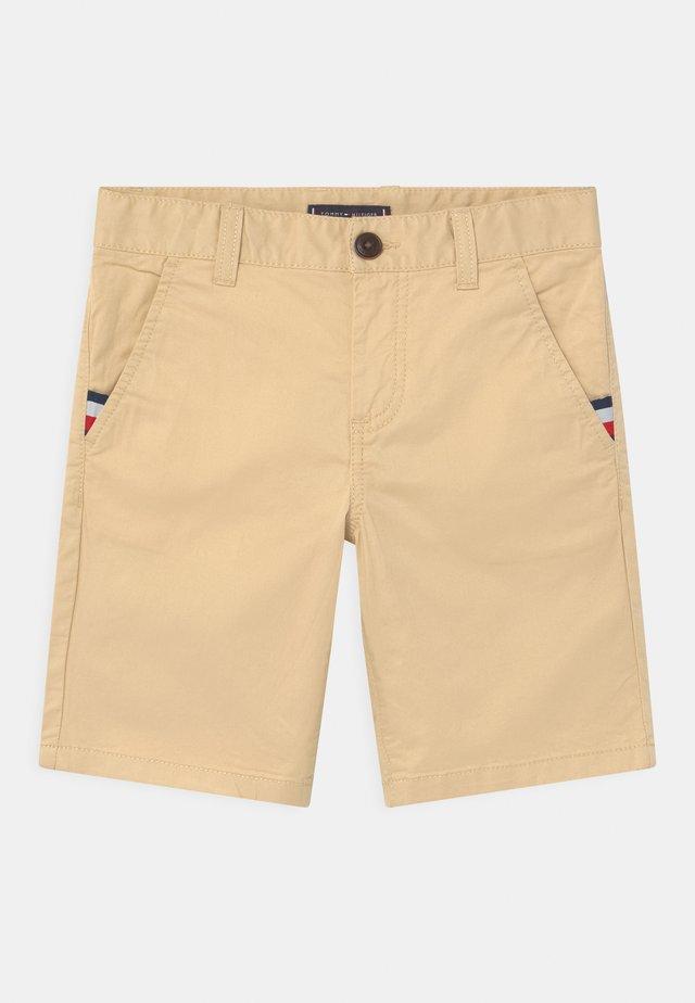 ESSENTIAL FLEX - Shorts - misty beige