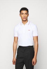 HUGO - DINOSO - Polo shirt - white - 0