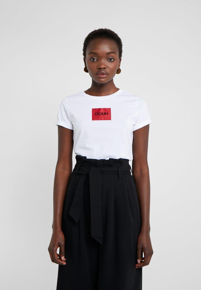 HUGO - DENNJA - T-shirt imprimé - white