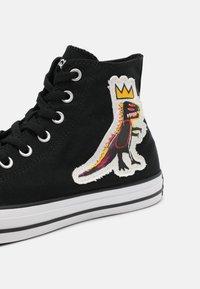 Converse - CONVERSE X BASQUIAT CHUCK TAYLOR UNISEX - Zapatillas altas - black - 6