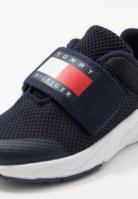 Tommy Hilfiger - Baskets basses - blue - 2