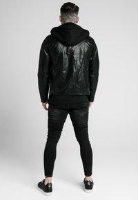 SIKSILK - BIKER - Chaqueta de cuero sintético - black - 2