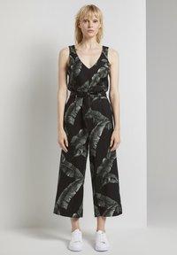mine to five TOM TAILOR - Jumpsuit - black tropical leaves design - 0