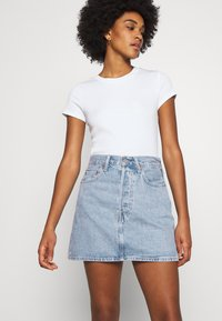 Levi's® - RIBCAGE SKIRT - Denim skirt - light blue denim - 3