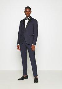 Isaac Dewhirst - TEXTURED TUX - Costume - dark blue - 1