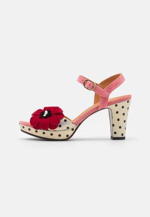 EDILMA - Korkeakorkoiset sandaalit - cherry/rojo