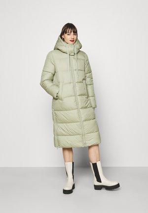 COLD WINTER PUFFER COAT - Winter coat - herbal tea green