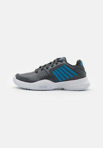 COURT EXPRESS OMNI UNISEX - Multicourt tennis shoes - dark shadow/white/swedish blue
