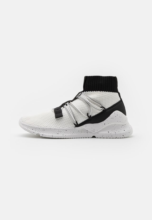 JARROD - High-top trainers - white/black