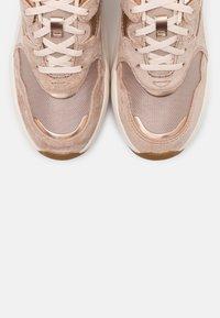 UGG - LA HILLS - Sneakers laag - amphora - 5