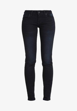 NICOLE - Slim fit jeans - parvin wash
