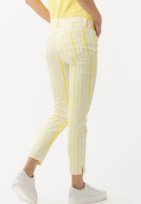 BRAX - STYLE SHAKIRA S - Jeans Skinny Fit - clean yellow - 2