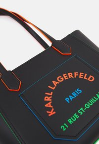 KARL LAGERFELD - JOURNEY EDGE TOTE - Handbag - black - 5