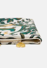 Tory Burch - DAISY VINE SQUARE WITH CHARMS - Foulard - green - 2