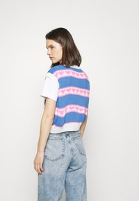 Trendyol - T-shirt imprimé - ecru - 2