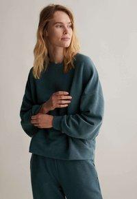OYSHO - Sweatshirt - dark blue - 0