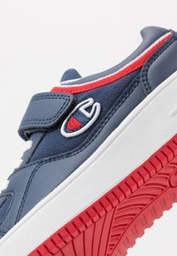 Champion - LOW CUT SHOE NEW REBOUND UNISEX - Basketball shoes - navy - 2