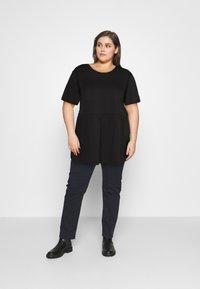 Missguided Plus - PLUS SMOCK - Print T-shirt - black - 1