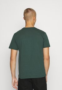 recolution - AGAVE - T-shirt basic - forest green - 2