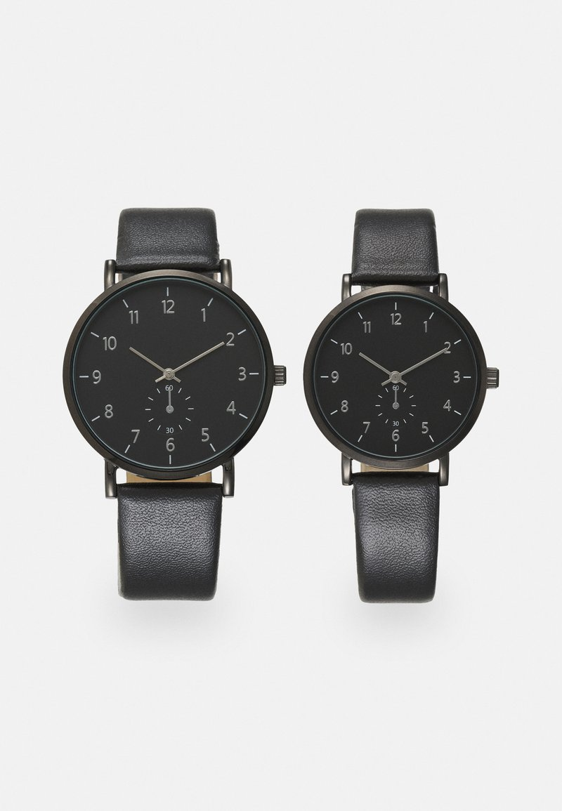 Pier One - COUPLE WATCHES GIFT SET - Hodinky - black