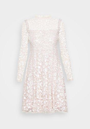 AURELIA LONG SLEEVE MINI DRESS - Sukienka koktajlowa - strawberry icing