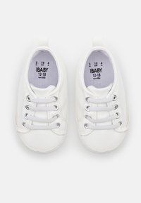 Cotton On - MINI CLASSIC TRAINER UNISEX - First shoes - white - 3
