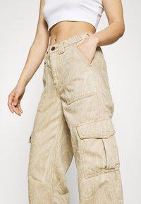 BDG Urban Outfitters - MARBLE SKATE JEAN - Pantaloni - beige - 3