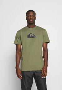 Quiksilver - COMP LOGO - Print T-shirt - four leaf clover - 0