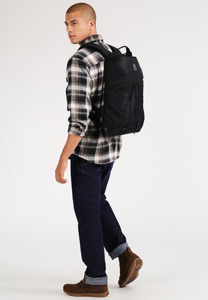 CORKER  MEDIUM - Rucksack - true black