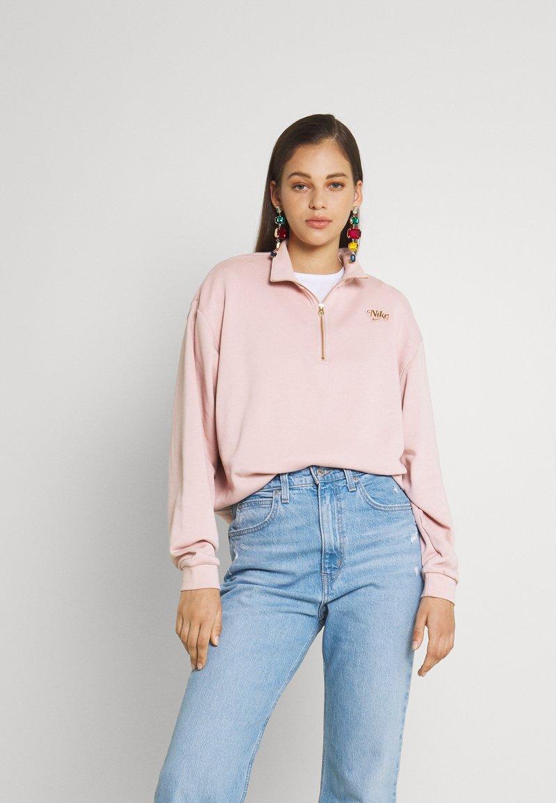 Nike Sportswear - FEMME - Sweater - pink oxford/metallic gold