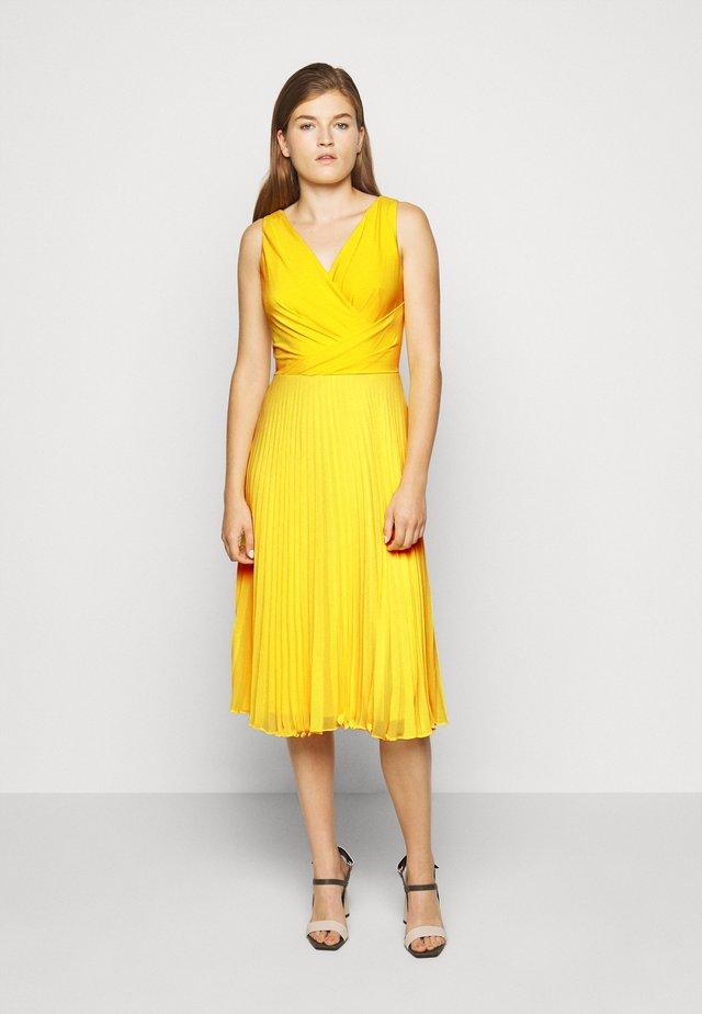 MID WEIGHT DRESS COMBO - Denní šaty - summer lemon