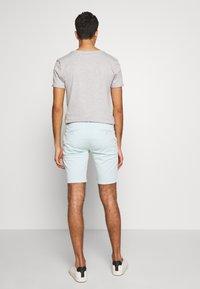 Bruuns Bazaar - DENNIS POUL - Shorts - ice - 2
