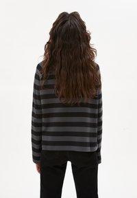 ARMEDANGELS - DELAA  - Long sleeved top - vintage green-black - 2