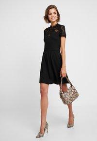 ONLY - ONLMONNA MIX DRESS - Jerseykleid - black - 2