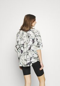 Monki - LUCA BLOUSE - Button-down blouse - marblestone