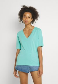 Weekday - LAST V NECK - Basic T-shirt - turqoise green - 0