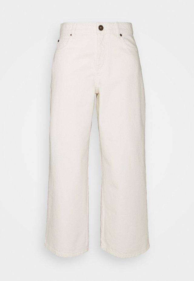 GINETTA - Straight leg jeans - ivory