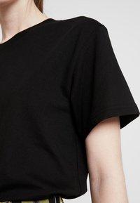 Weekday - ALANIS - Basic T-shirt - black - 5