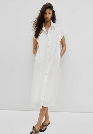 KURZÄRMELIGES  - Shirt dress - white