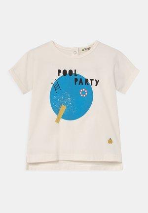 PERCY UNISEX - T-shirt print - white/blue