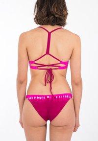 Hurley - DIPPED ADJ - Bikini top - jjf red - 2