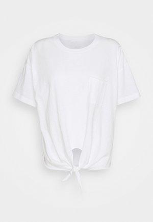 CROP TEE TIE FRONT - Basic T-shirt - true white