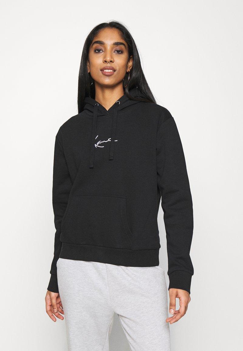 Karl Kani - SMALL SIGNATURE HOODIE - Sweatshirt - black