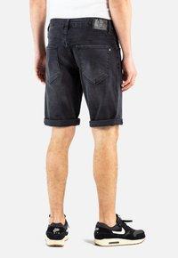 Reell - RAFTER - Denim shorts -  black denim - 1