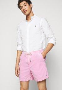 Polo Ralph Lauren - CLASSIC FIT PREPSTER SHORT - Shorts - carmel pink - 3